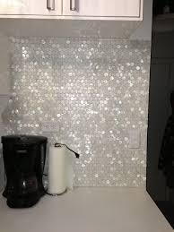 Hexagon Backsplash Tile by Best 25 Mother Of Pearl Backsplash Ideas On Pinterest Pearl