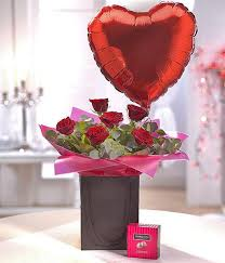 flowers and balloons be mine chocolate balloon gift set flower theatre florist scunthor