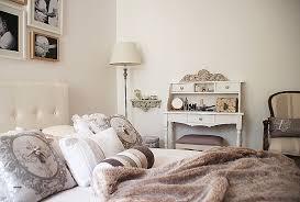 canapé style chalet canape canapé style chalet tonnant decoration chambre baroque