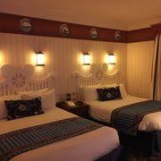 chambre disneyland hotel disney s newport bay 66 photos 22 reviews hotels