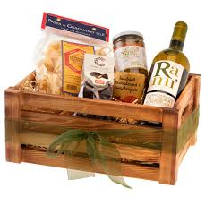 our favourite boozy christmas hampers vorrei delicious italian