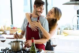 qui fait l amour dans la cuisine 40 des français avouent faire parfois l amour dans leur cuisine
