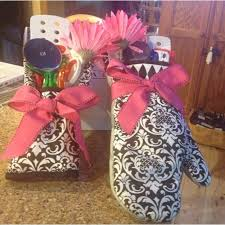 gifts to give at a bridal shower 52 best wedding shower prizes images on party ideas