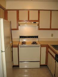how to paint laminate cabinets bella blackstone painting laminate kitchen cabinets paint