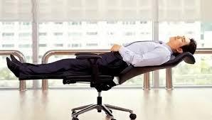 sieste au bureau sieste au travail 670x380 sommeil mobilier de bureau
