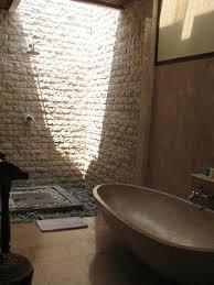 MINIMALIST BATHROOM DESIGNS TO DREAM ABOUT - Balinese bathroom design