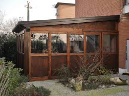 veranda chiusa tettoia in legno con chiusure a pannelli rimuovibili loc san