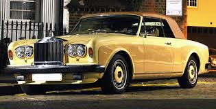 roll royce night file 1982 rolls royce corniche nighttime jpg wikimedia commons