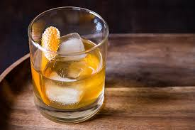 essential cocktail recipes 30 best whiskey drinks hiconsumption