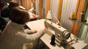 Amanda Brown Upholstery Spruce Tv Upholstery Tip 3 Thread Your Sewing Machine In