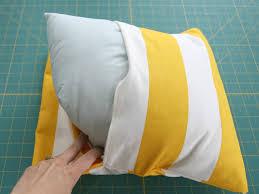 How To Make Sofa Pillow Covers Diy Simple Envelope Pillow Tutorial Step By Step With Photos