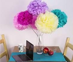 membuat hiasan bunga dari kertas lipat siapkan kertas krep warna warni dan lipat keren lho untuk hiasan