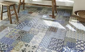 carrelage cuisine mosaique carrelage mosaique sol les motifs carreaux de ciment font leur grand