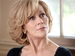 are jane fonda hairstyles wigs or her own hair this is hilary altman watch jane fonda in an exclusive featurette