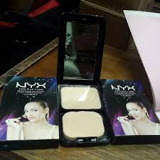Bedak Nyx nyx two way cake suncreen flawless vit e