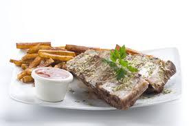origan frais en cuisine l origan frais américain de bbq nervure le sausace image stock