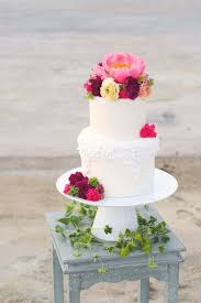 choosing summer wedding cake summer wedding cake trends
