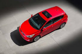 2014 hyundai accent hatchback review 2014 hyundai accent car review autotrader