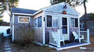 little cape cod cottage 5 minute walk to the beach adorable