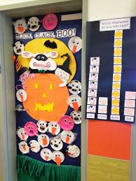 decorations for halloween bride of frankenstein i did for the other door in my classroom