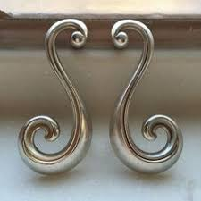 Shabby Chic Cabinet Pulls by Antique Silver Shabby Chic Dresser Drawer Pulls Handles Curve