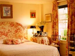 basement bedroom ideas for making the house more spacious
