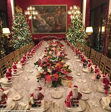 christmas dinner table setting kylie minogue celebrates the festive season at d g xmas dinner in