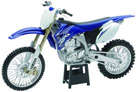 top motocross bikes amazon com new ray toys 1 12 scale dirt bike yz450f 57233 toys