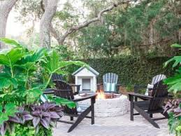How To Make A Fire Pit In Your Backyard by How To Build A Gas Fire Pit Hgtv