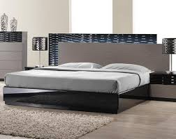 Bed And Nightstand Set Roma Black And Grey Lacquer 5 Pc Bedroom Set Bed Nightstand