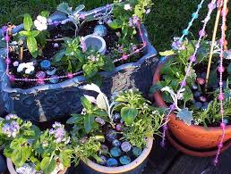 Mini Fairy Garden Ideas by Fairy Gardens How To Make Your Garden Into A Fairy Sanctuary