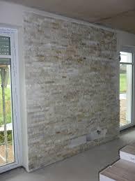 Natursteinwand Wohnzimmer Ideen Laminat Steinwand Charismatische On Moderne Deko Idee Oder