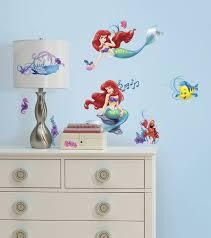 stickers chambre bébé disney stickers chambre bébé déco magique disney pour votre loulou