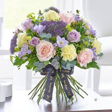 flower delivery london luxury collection fsd florists same day flower delivery