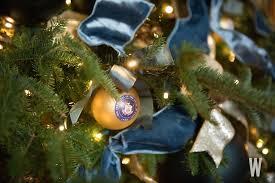 christmas decoration photos the 2017 white house christmas decorations washingtonian