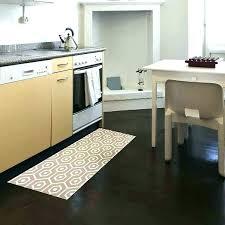 tapis cuisine design tapis cuisine design buck de gris foncac 67x140cm lolabanet com