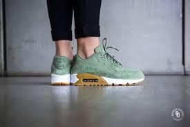 Nike Womens nike s air max 90 se green gum 881105 300