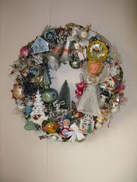 reserved for peirudai kitsch wreath handmade 22 inches