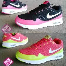 Sepatu Nike Running Wanita sepatu nike airmax wanita sz 36 40 pin 331e1c6f 085317847777 www