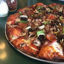 round table pizza pan vs original crust round table pizza 78 photos 97 reviews pizza 4330 redondo