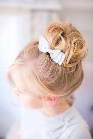 coiffure mariage enfant les 25 meilleures idées de la catégorie coiffure fille