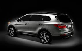 hyundai luxury suv hyundai genesis crossover hyundai considering three row luxury suv