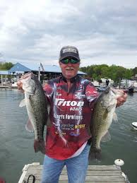 santee cooper fishing guides bill cochran smith mountain advances in ranking of top 100 bass