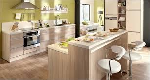 cuisine en bois clair modele de cuisine bois amazing modele de cuisine amenagee modle de