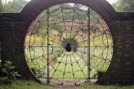 portails de jardin 30 idées uniques et originales de portail de jardin à travers le monde