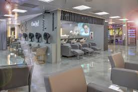 curly hair salons