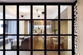 cloison vitree cuisine cloison vitrée atelier déco en bois et gris et brique dans un