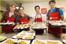 the salvation army usa big time serves thanksgiving dinner