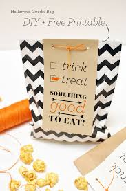 Halloween Treats For Teachers by Halloween Goodie Bag Diy Free Download Smitten On Paper