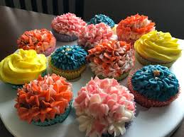 the 25 best wilton 2d tip ideas on pinterest rose cupcake